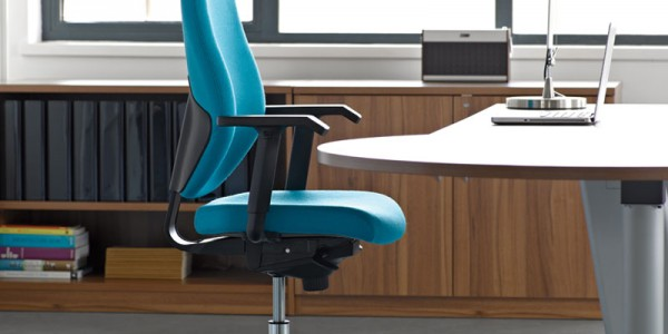 Profile Task Chair With Headrest