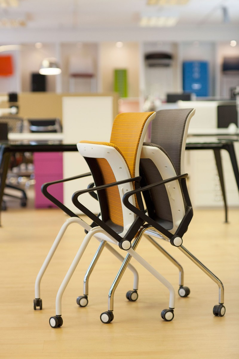 Lii Mesh chairs side